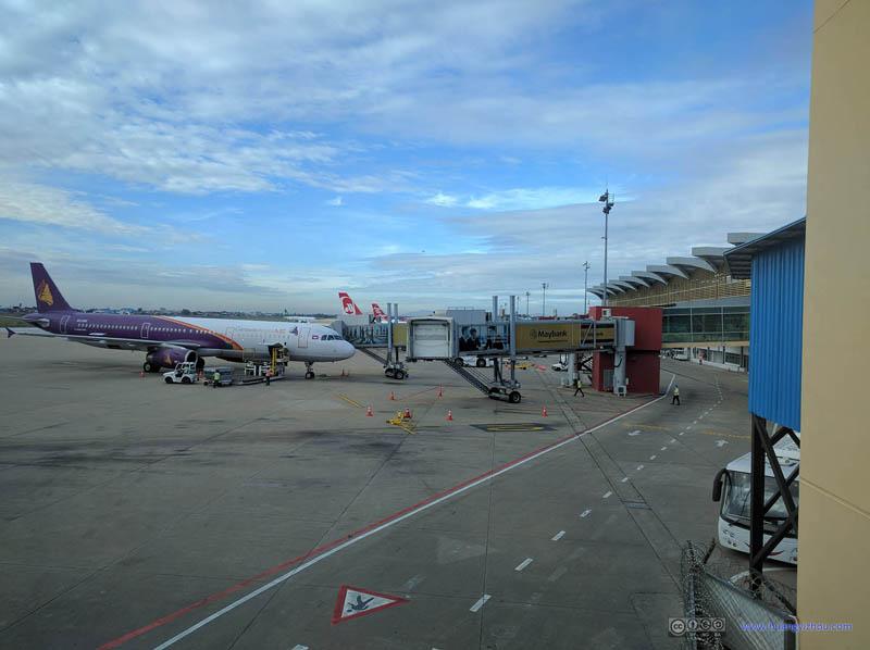 Flight Log of Xiamen Air Flight 877 from Hangzhou to Kuala ...