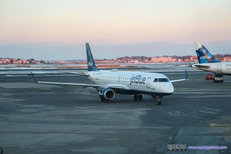JetBlue E190 (N316JB) Arriving