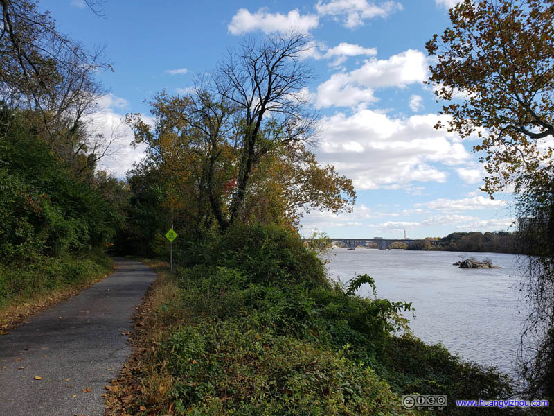 Capital Crescent Trail along Potomac River