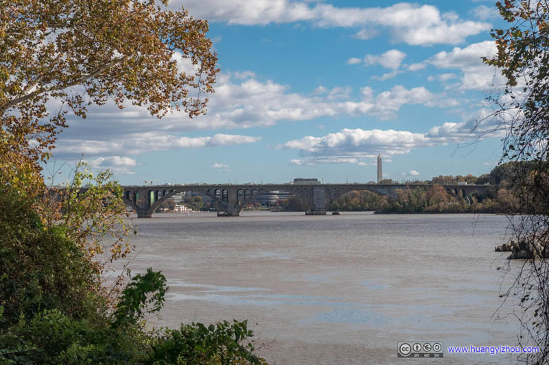 Francis Scott Key Memorial Bridge across Potomac River