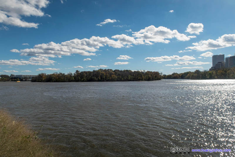 Roosevelt Island across Potomac River