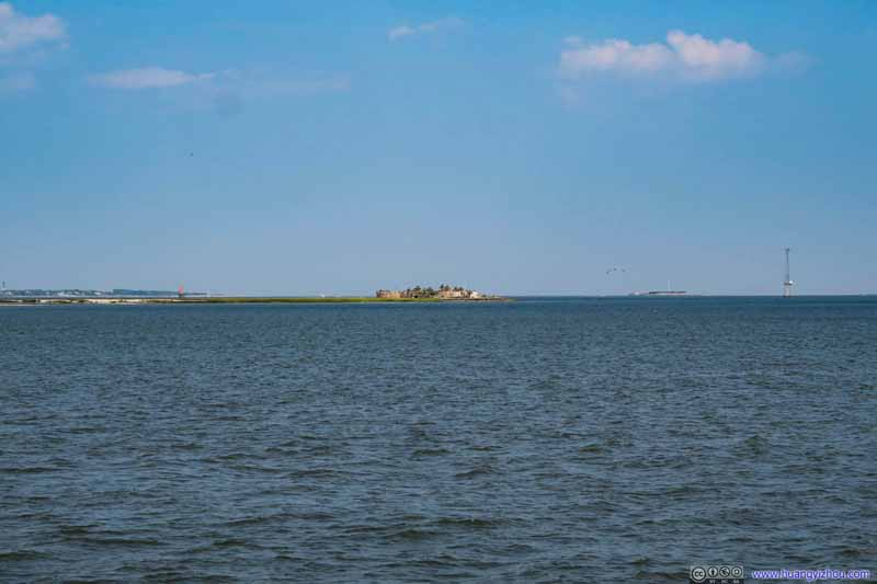 Castle Pinckney and Fort Sumter