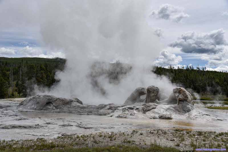 Grotto and Rocket Geyser