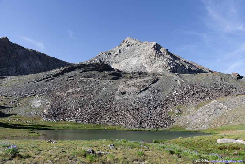 Lake before Hyndman Peak