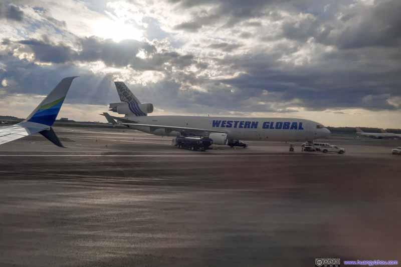 Western Globe MD11
