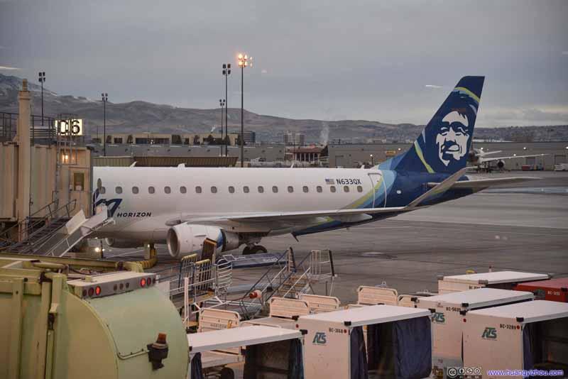 Alaska Air E175 (N633QX)