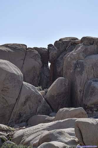 Opening between Cliffs